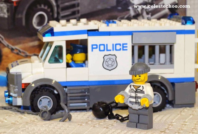 lego-city-police-truck-toy-for-kids