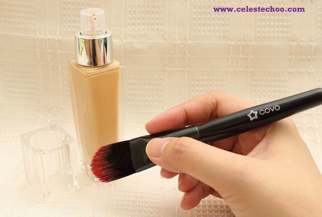 covo-cosmetics-liquid-foundation-brush