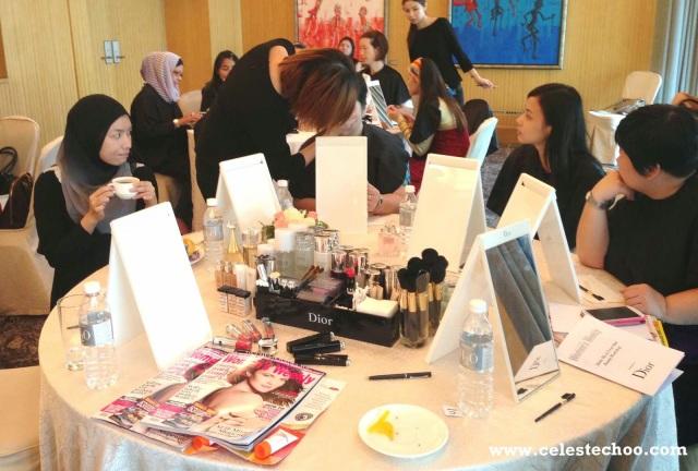 dior_beauty_makeup_workshop_guests_applying_makeup