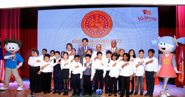 Newly sworn in KidZania Congrezz members