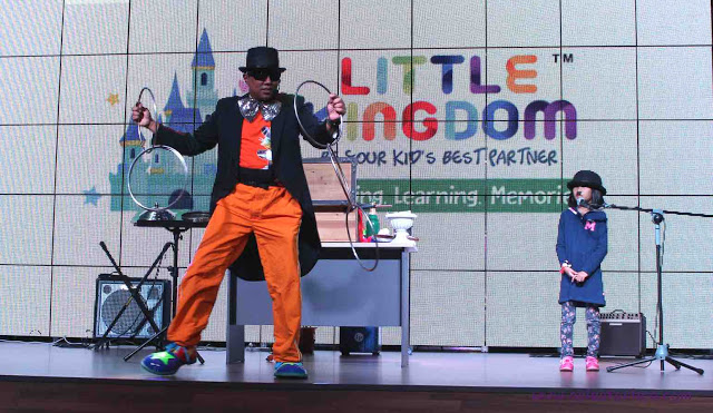 little-kingdom-magic-show-on-stage