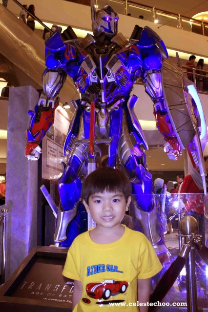 transformers_4_age_of_extinction_autobots_display_optimus_prime_new