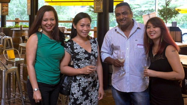 wine_talk_club_ambassadors_with_members