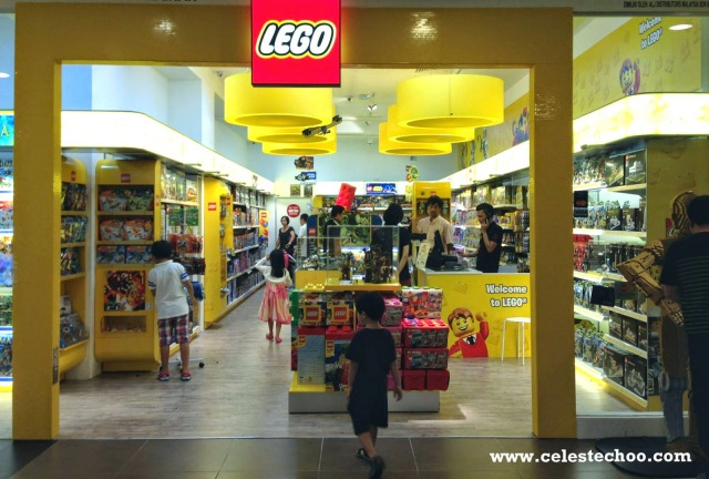 lego_toys_for_kids_shop_entrance_bangsar_village