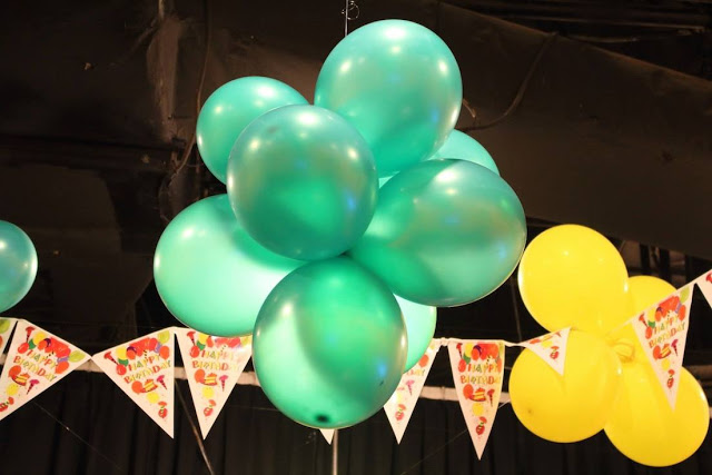 laser-warzone-e-curve-balloons